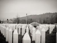 U ljeto 1995. ubijeno je nekoliko hiljada zarobljenika iz prethodno zaštićene enklave Srebrenica