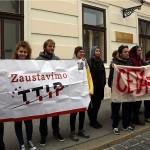 50-ak aktivista prosvjeduje protiv trgovinskog sporazuma s Kanadom