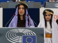 Nadija Murad i Lamija Aji Bašar tijekom dodjele nagrade u Strasbourgu, foto: EPA
