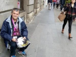 Ivo Grgić već sedam ili osam godina prodaje časopis Ulične svjetiljke