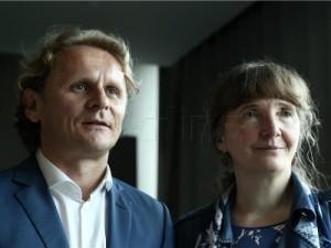 na slici: Ivan Đikić, profesor i znanstvenik i Vesnica Garašić, docentica i znanstvenica. Foto: HINA/ Tomislav PAVLEK