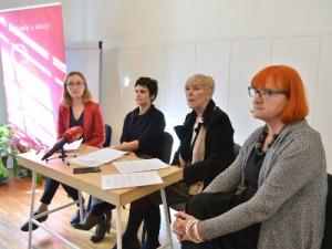 Na fotografiji Josipa Tukara Komljenović, Senka Sekulić, Sanja Sarnavka, Rada Borić. foto HINA/ Admir BULJUBAŠIĆ/ abu