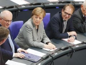 Angela Merkel - žena u muškom odijelu