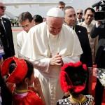 Komentar: Papina očajnička borba protiv vjerskog ludila