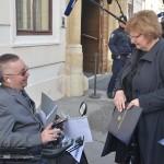 Murganić obećala osobi s invaliditetom pred Banskim dvorima rješavanje njegova problema