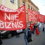 GALERIJA: Prosvjed građana i udruga ispred Gradske skupštine protiv Prijedloga plana gospodarenja otpadom