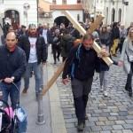 Čovjek s križem: Kako nas je Saša Pavlić posramio svojom iskrenošću i hrabrošću