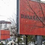 Tri plakata izvan grada – o obiteljskom nasilju u Prištini, Kosovo