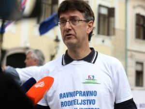 Na fotografiji predsjednik Hrvatske udruge za ravnopravno roditeljstvo Oliver Čanić. foto HINA/ Denis CERIĆ