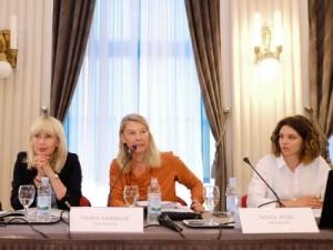 Na fotografiji Jelena Đokić Jović, Vesna Teršelič, Nives Jozić. foto HINA/ Edvard ŠUŠAK/