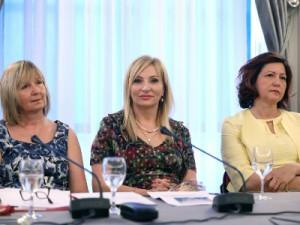 Na fotografiji Marina Ajduković, Gordana Buljan Flander, Marija Pletikosa. foto HINA/ Lana SLIVAR DOMINIĆ