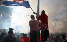 Navijači na Trgu bana Jelačića u Zagrebu,  foto HINA /Zvonimir KUHTIĆ/