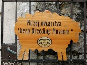 Muzej Ovcarstva. Tea de Both izradjuje od vune lutke, maske i razne igracke. Foto: Matija Djanjesic / CROPIX