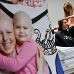 """Djevojka koja je preboljela leukemiju pokrenula kampanju """"Moja kosa, tvoja kosa"""" za izradu vlasulja bolesnoj djeci u BiH"""
