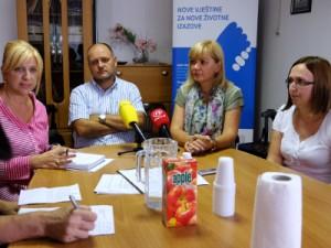 Na slici Miroslava Rožanković, psihijatar Zoran Zoričić, Bernardica Juretić, Ivana Buterin Gluić. foto HINA/ Edvard ŠUŠAK
