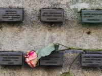 Na slici zid oko Starog židovskog u Frankfurtu, Njemačka. EPA / ARMANDO BABANI