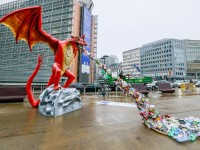 Plastični zmaj ispred Europske komisije u Bruxellesu, EPA