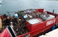 Pelješac, 27.11.2010 - Sanacija onečišćenja smećem u uvalama Trstenik, Zamali i Prapratno.  foto FaH/ MMPI