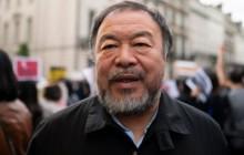 Kineski umjetnik i aktivist Ai Weiwei pridružio se prosvjednicima iz Hong Konga, snimljen ispred kineske ambasade u Londonu. Foto EPA