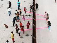 Umjetnici instalirali klackalice na granici Meksika i SAD-a, kako bi se djeca mogla igrati zajedno