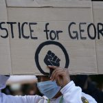 Američki gradovi zbog nereda produljili policijski sat, raspoređuju vojsku