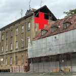 Umjetnička akcija postavljanja crvenih križeva na Ilici