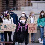 Mladi predvođeni švedskom aktivisticom Gretom ponovno prosvjeduju zbog klimatskih promjena