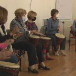 """Umirovljenici zasvirali afričke bubnjeve: """"Ako imam ritam, onda je ritam i život"""""""